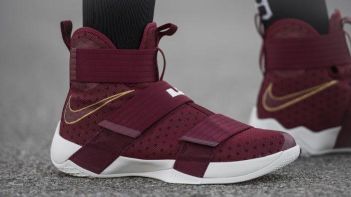 "NIKE LEBRON SOLDIER 10 ""CHRIST THE KING"" sepatu sneakers - Sepatu Sneakers Terbaru 2020"