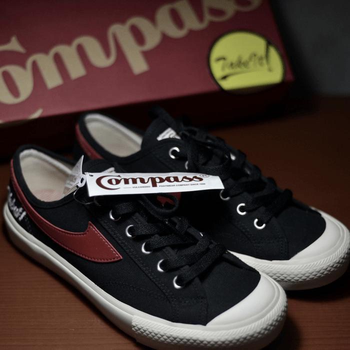 sepatu compass sepatu indonesia - img 5cdc6de3b7219 - 19 Merek Sepatu Indonesia Asli untuk Kamu Koleksi