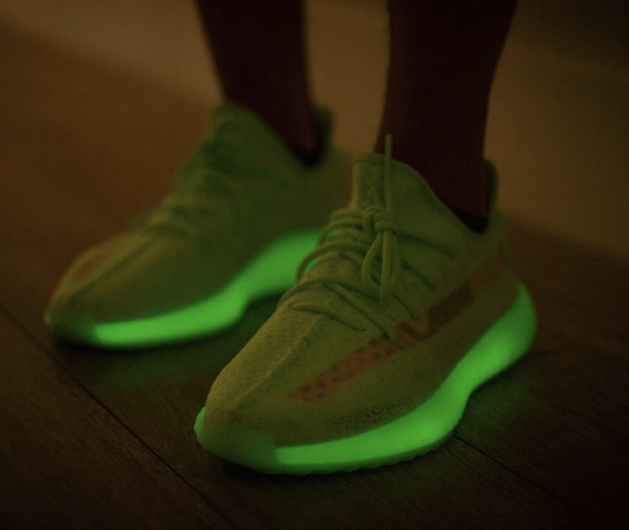 "yeezy boost 350 v2 ""glow-in-the-dark"" - img 5ce68539a45ff - Mengejutkan! YEEZY BOOST 350 V2 ""Glow-in-the-Dark"" Dirilis Lebih Awal."