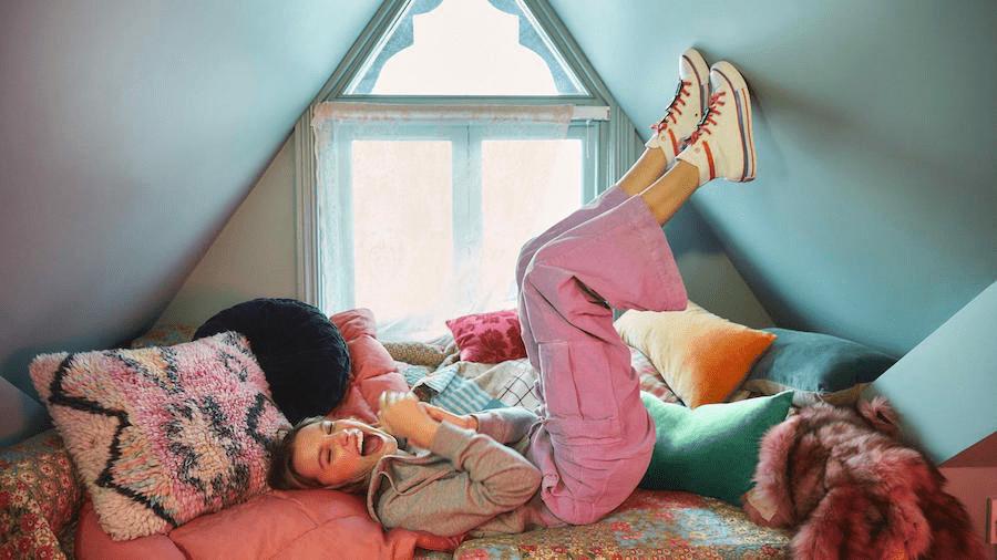 converse mille bobby brown - Koleksi Terbaru Sepatu Converse x Mille Bobby Brown